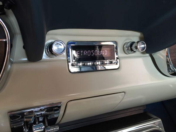 Autoradio für Ford Mustang 1964-66 mit DAB+, USB und Bluetooth Retrosound Santa Barbara